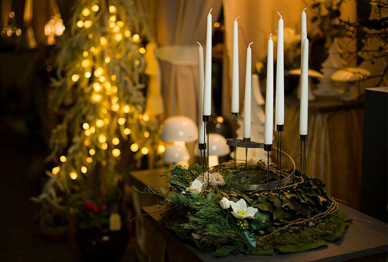 Adventskränze, Adventsfloristik sowie alles für Ihre Weihnachtsdeko, gibt es bei Blumen Ulsamer in Ochsenfurt.